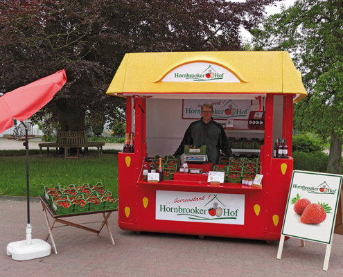 Erdbeer Verkaufsstand vom Hornbrooker Hof